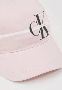 Calvin Klein Jeans - MONOGRAM STRIPE CAP - Lippalakki - pink - 2