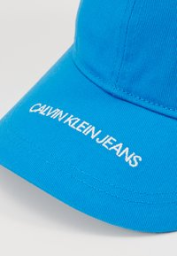 Calvin Klein Jeans - INSTITUTIONAL LOGO - Lippalakki - blue