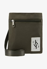 Calvin Klein Jeans - SPORT ESSENTIALS MICRO FLAT PACK - Torba na ramię - green - 6