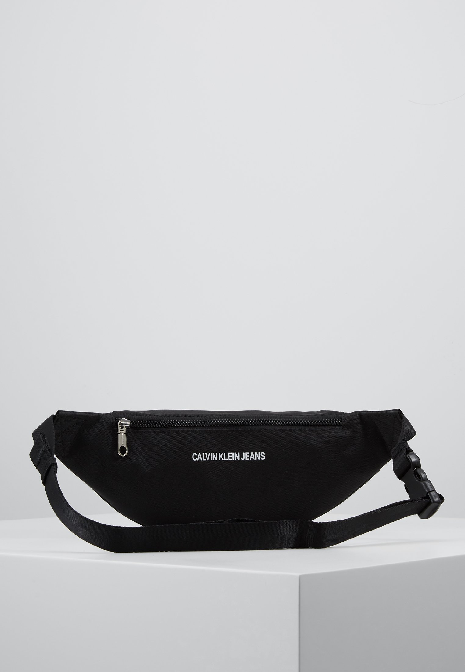 Sport Essentials Klein Black Calvin Jeans Street PackMarsupio v0wN8Omny