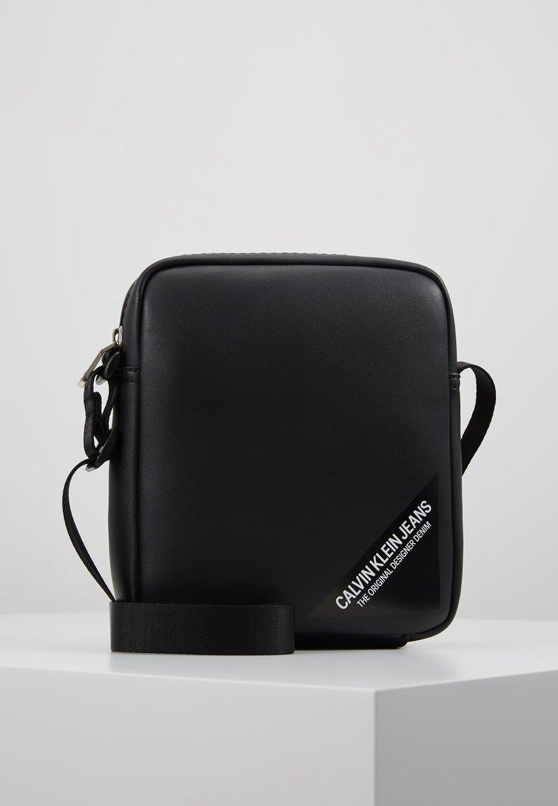 Calvin Klein Jeans - STITCH MICRO - Borsa a tracolla - black