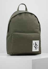 Calvin Klein Jeans - SPORT ESSENTIALS BACKPACK - Plecak - green - 0
