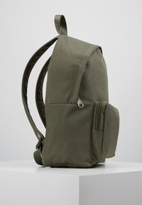 Calvin Klein Jeans - SPORT ESSENTIALS BACKPACK - Plecak - green - 3