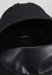 Calvin Klein Jeans - SPORT ESSENTIALS BACKPACK - Rucksack - black - 4