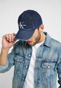 Calvin Klein Jeans - MONOGRAM  - Cap - dark blue denim - 1
