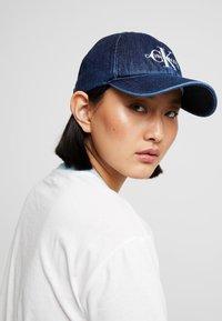 Calvin Klein Jeans - MONOGRAM  - Kšiltovka - dark blue denim - 4