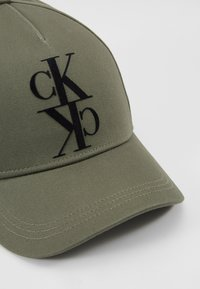 Calvin Klein Jeans - J MIRROR CK CAP WITH FLOCKING - Cap - green - 6