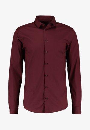 SLIM FIT - Overhemd - merlot red