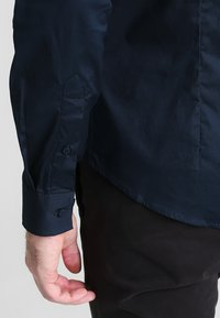 Casual Friday - SLIM FIT - Camicia - navy - 4