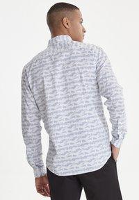 Casual Friday - ARTHUR JAQUARD - Shirt - white - 2