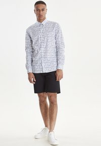 Casual Friday - ARTHUR JAQUARD - Shirt - white - 1