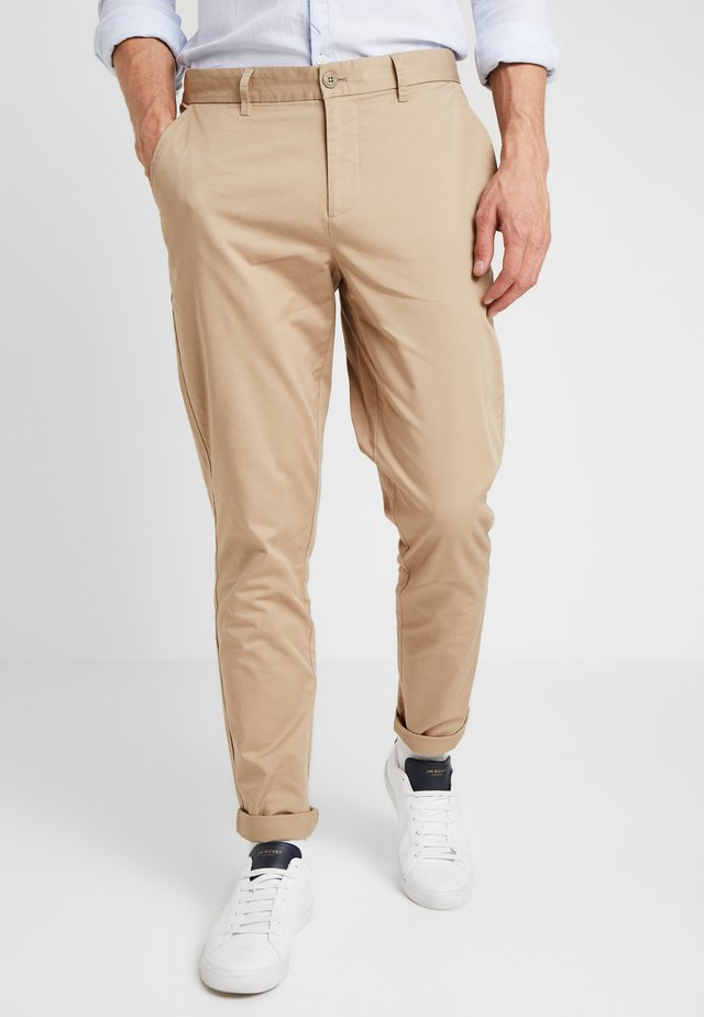 PANTS PELLE - Chinos - silver mink