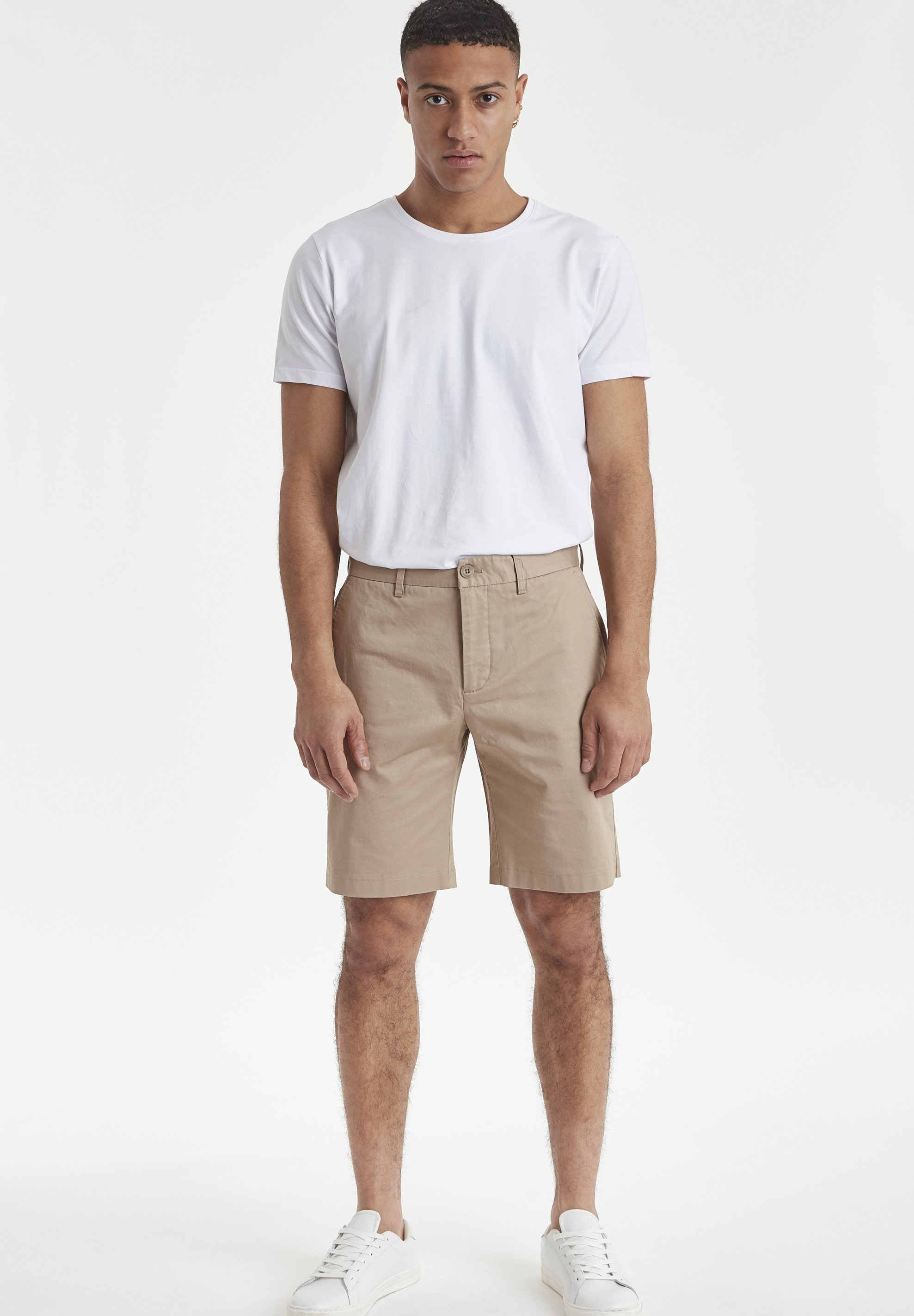 Casual Friday CFPARKER CHINO - Shorts - silver mink