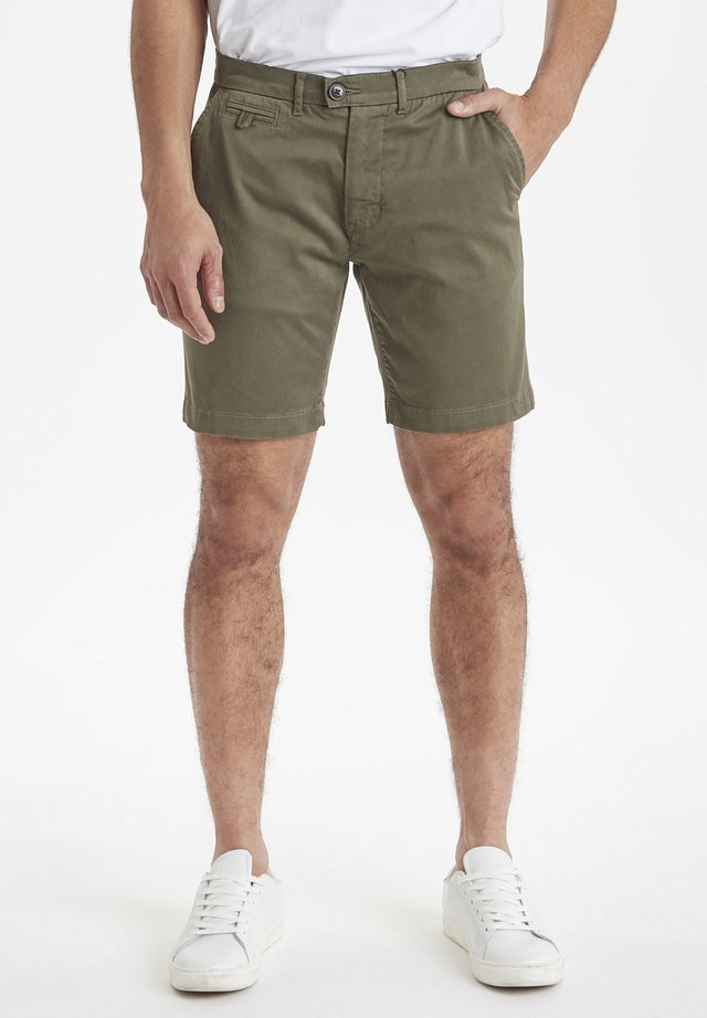 Shorts - grape leaf