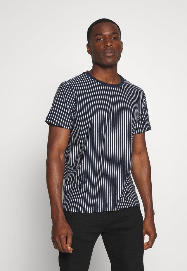 T-shirts med print - navy blazer