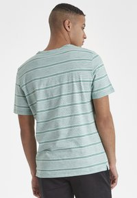 Casual Friday - CF TYSON - Print T-shirt - bottle green - 2