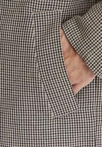 Casual Friday - Short coat - silver mink - 5