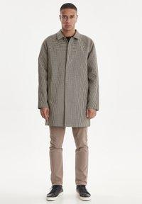 Casual Friday - Short coat - silver mink - 1