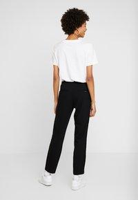 comma casual identity - TROUSERS - Pantaloni - black - 2