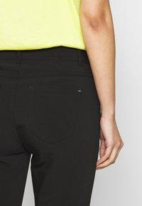 comma casual identity - Pantaloni - black - 5