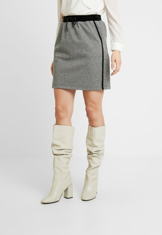 Minifalda - grey/black check