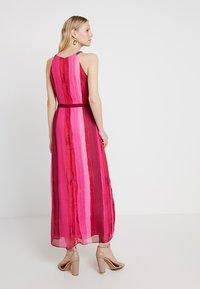 comma casual identity - Vestito lungo - purple/pink - 2