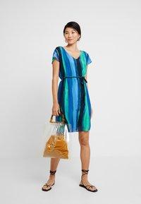 comma casual identity - Vestito estivo - blue/green - 1