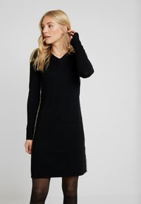 comma casual identity - DRESS SHORT - Strikkjoler - black - 0