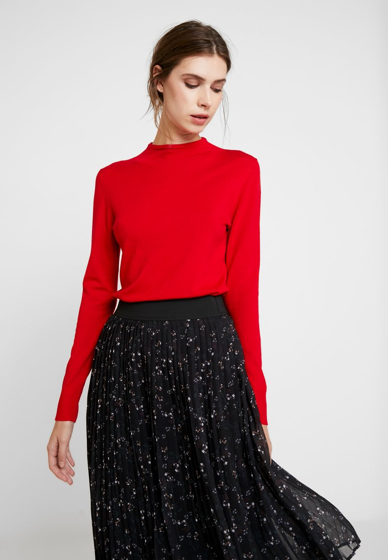 comma casual identity - REPEAT TURTLE NECK JUMPER - Sweter - red