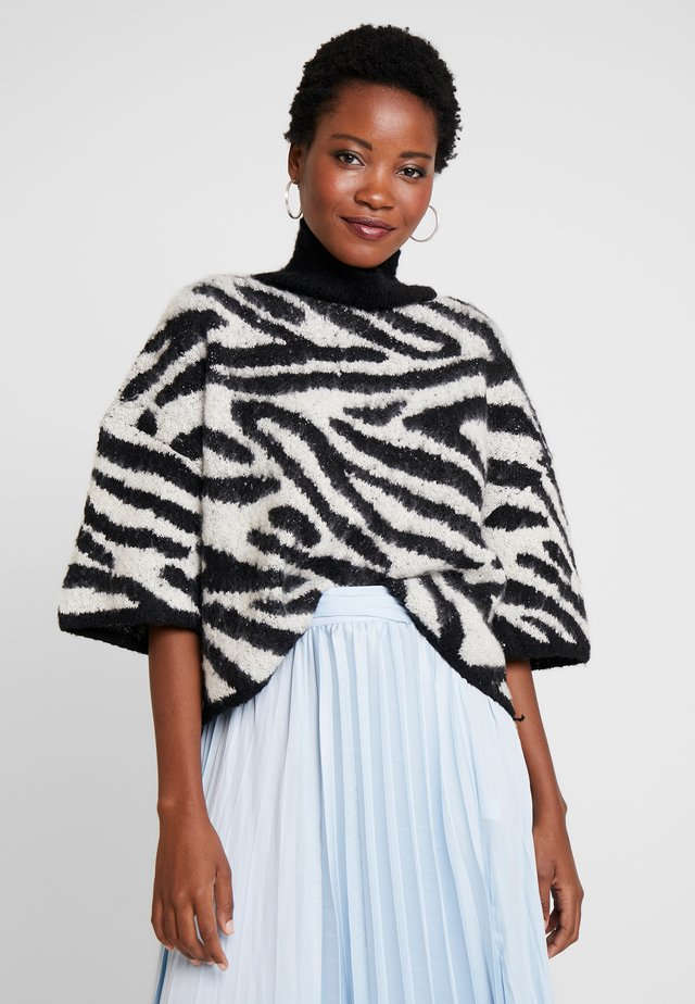 PONCHO - Sweter - black/white