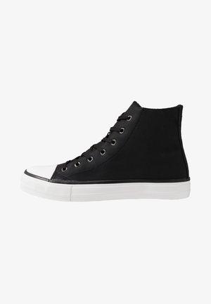 TYLER - Korkeavartiset tennarit - black/white