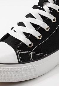 Cotton On - TYLER - Vysoké tenisky - black/white - 5