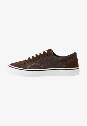 AXEL SHOE - Sneakersy niskie - brown