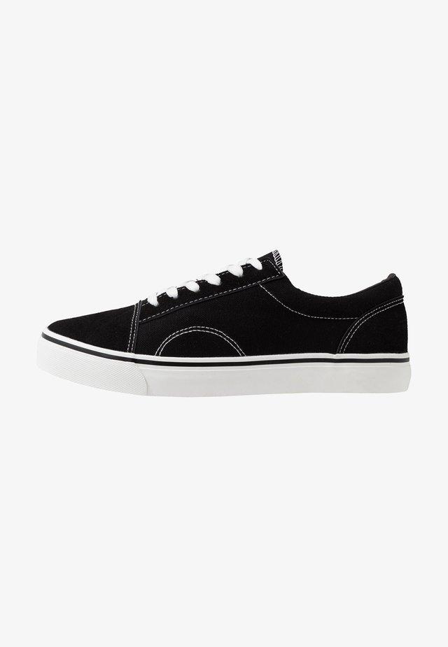 AXEL SHOE - Sneakersy niskie - black/white