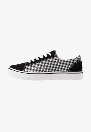 AXEL SHOE - Sneaker low - black