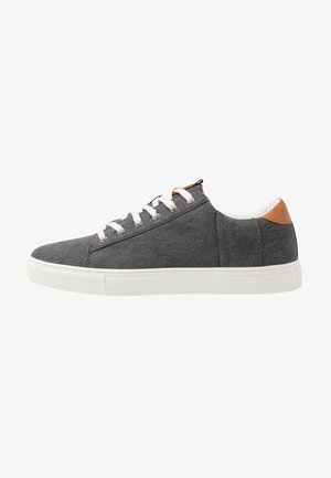 DICKSON CLASSIC - Trainers - washed black/white