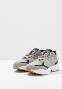 Cotton On - DIMITRI - Trainers - grey/black/white - 2
