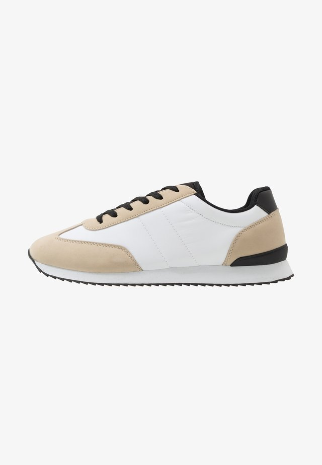 RYAN RETRO TRAINER - Baskets basses - offwhite/sand