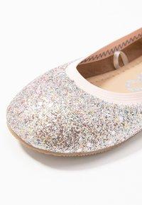 Cotton On - KIDS PRIMO - Klassischer  Ballerina - pink glitter - 2