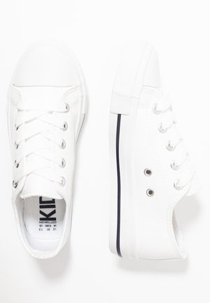 CLASSIC TRAINER LACE UP - Tenisky - white smooth