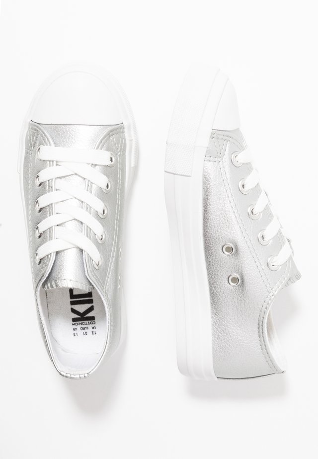 CLASSIC TRAINER LACE UP - Baskets basses - silver metallic