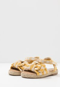 Cotton On - BOW  - Sandály - honey gold - 3