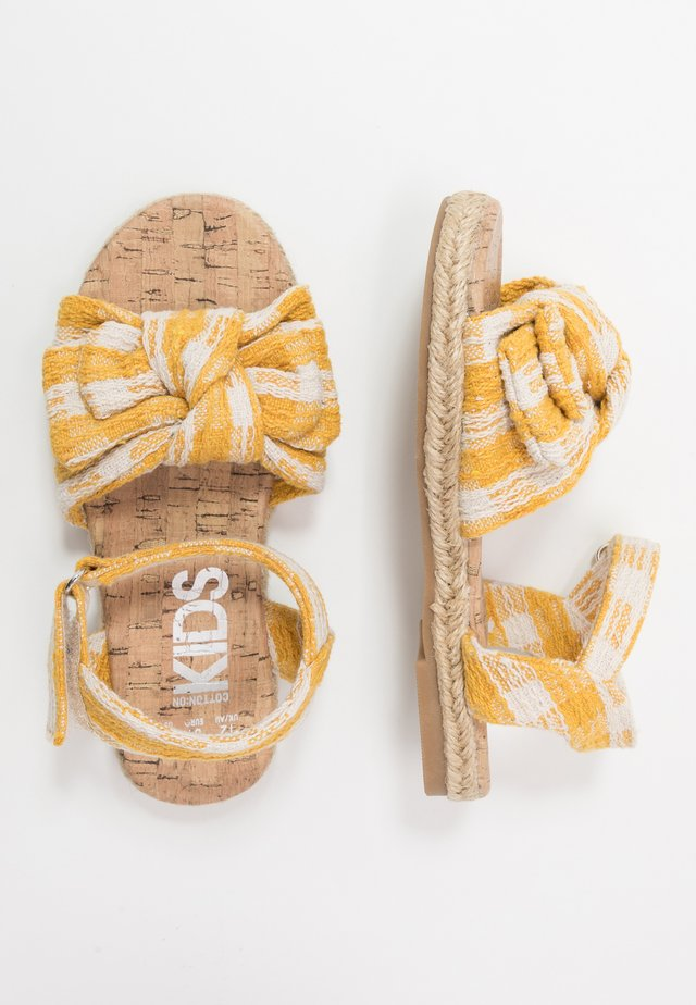 BOW  - Sandalen - honey gold