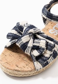 Cotton On - BOW  - Sandalen - navy blazer - 2