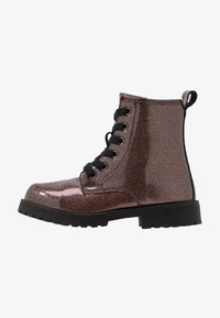 Cotton On - ROXIE COMBAT BOOT - Bottines à lacets - rose gold glitter - 1
