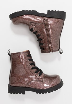 ROXIE COMBAT BOOT - Bottines à lacets - rose gold glitter