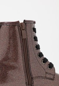 Cotton On - ROXIE COMBAT BOOT - Bottines à lacets - rose gold glitter - 2