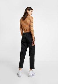 Cotton On - ROLLED HEM CHINO - Kalhoty - black - 2