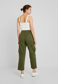 Cotton On - BREYA UTILITY CROP PANT - Trousers - winter moss - 2