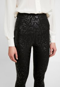 Cotton On - CHELSEA HIGH WAISTED - Leggings - black - 3